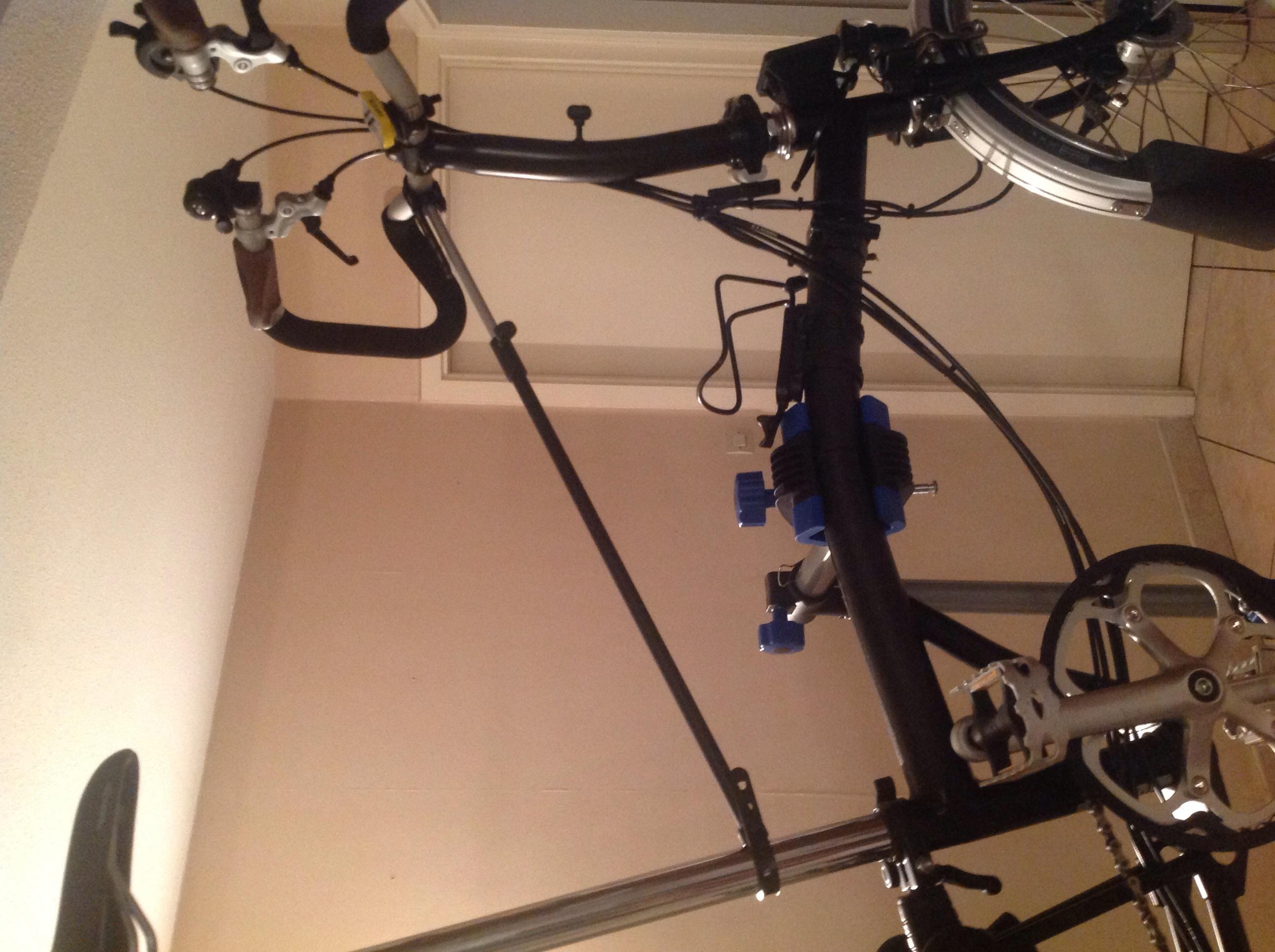 pied d'atelier pour vélo  Image-456fe6c